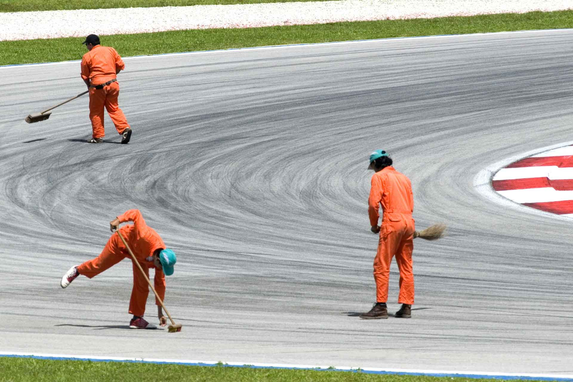 Keep-the-Racetrack-Clean.jpg